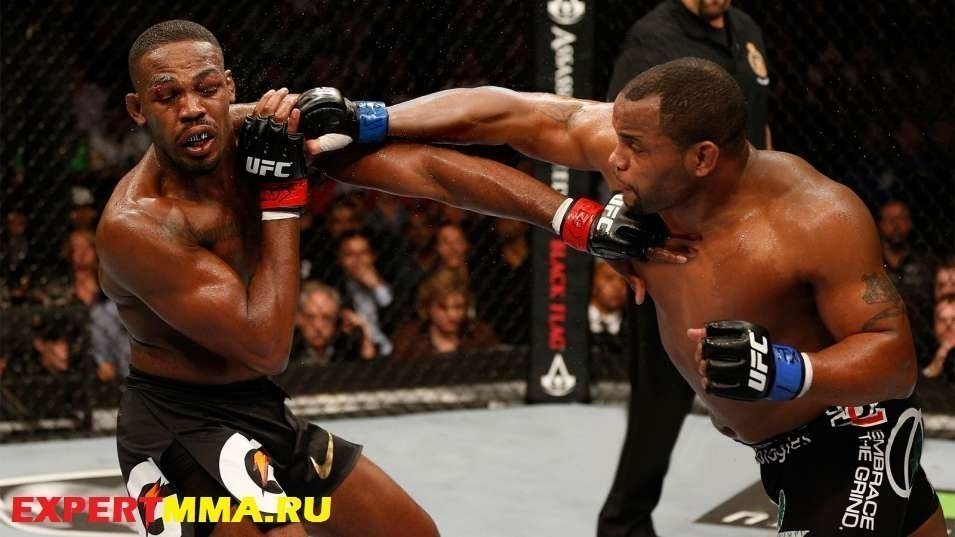 073114-UFC-Jon-Jones-Daniel-Cormier-SS-PI.vadapt.955.medium.0