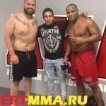 Бойцы зала АКА отвелили президенту UFC Дане Уайту