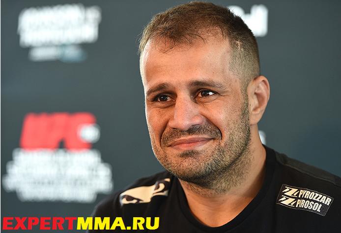 UFC186_mediaday_03.jpg