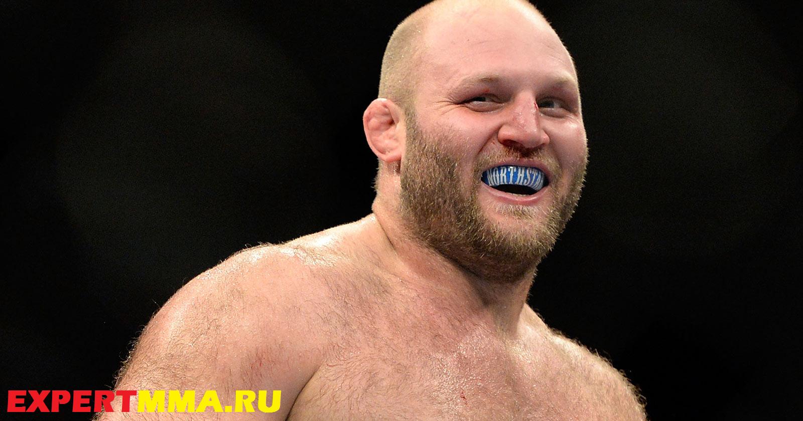 090314_UFC_Ben_Rothwell_celebrates_after_defeating_Brandon_Vera_PI_.jpg