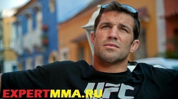 UFC-fighter-Luke-Rockhold-Columbia-_C5WYL3Vtsll