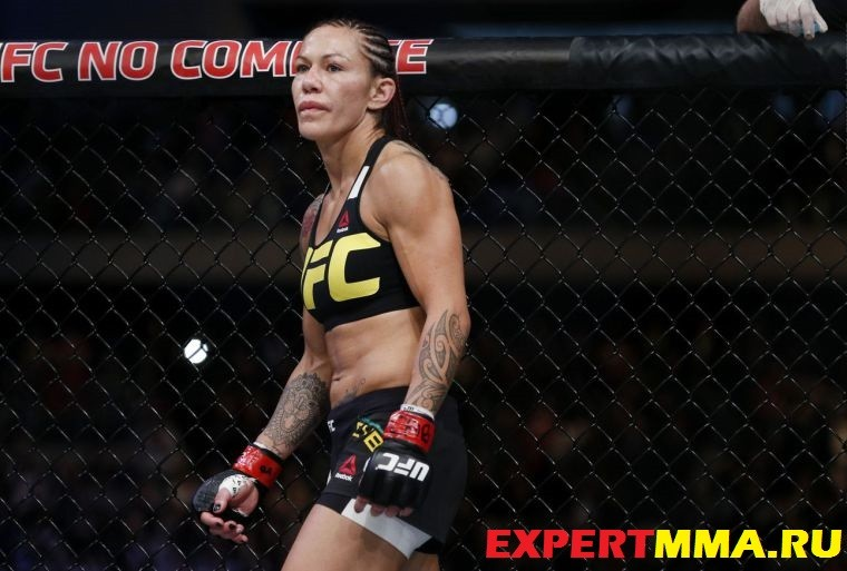 113_Cris_Cyborg_vs_Leslie_Smith.0.0