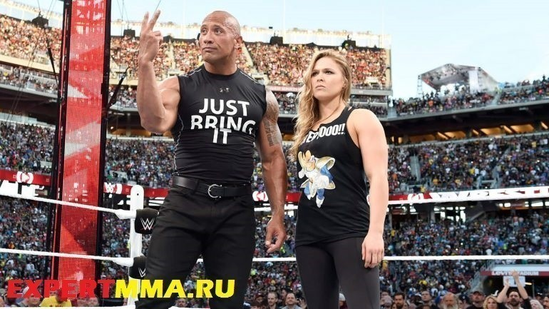 The-Rock-and-Ronda-Rousey-dwayne-the-rock-johnson-38341312-1284-722-770x433
