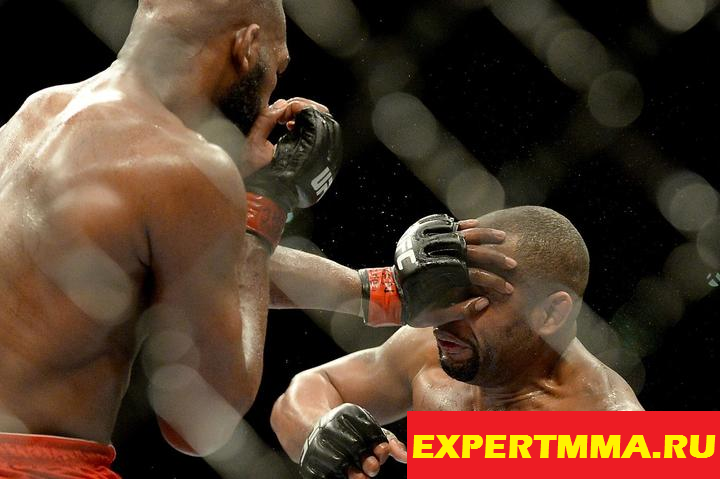 ufc_197_jon_jones_and_daniel_cormier_continue_trading_insults_about_drugs_belts_1.jpg
