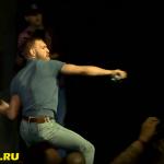 Пресс-конференция к UFC 202: Конор забросал братьев Диаз бутылками с водой