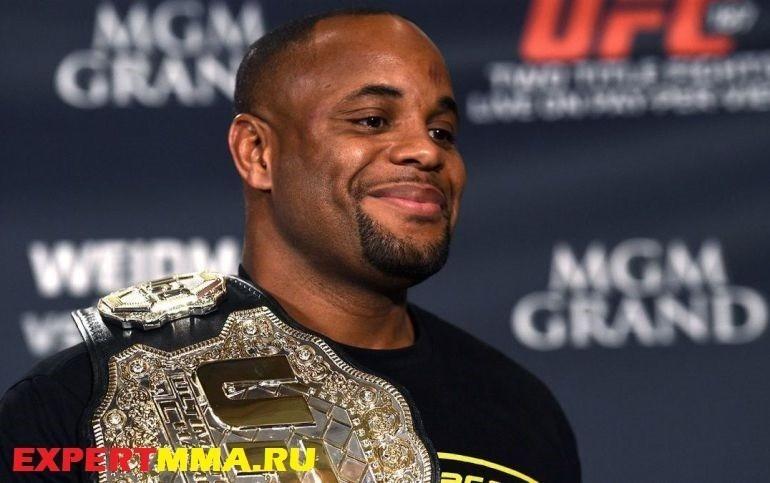 061715-UFC-Daniel-Cormier-pi-ssm.vresize.1200.675.high_.87