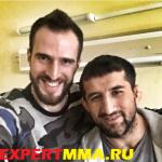 Олимпийский чемпион по волейболу навестил Расула Мирзаева в больнице