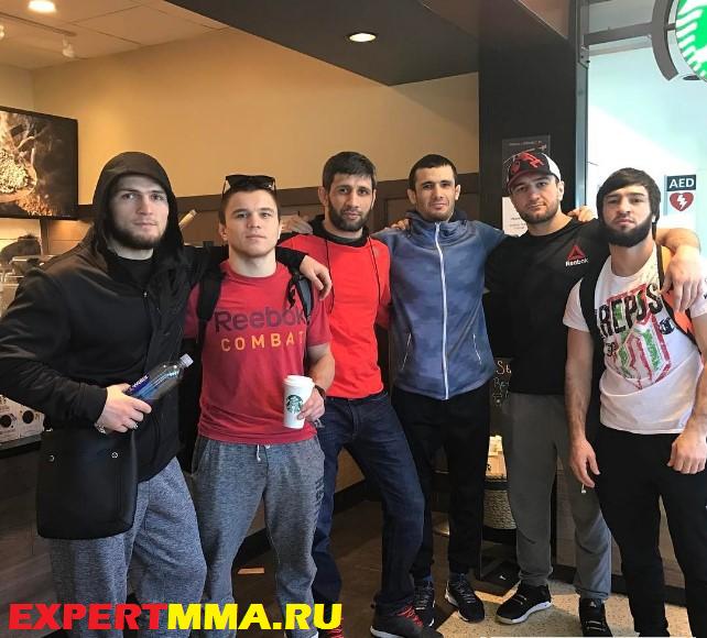 Khabib_Nurmagomedov_team.jpg