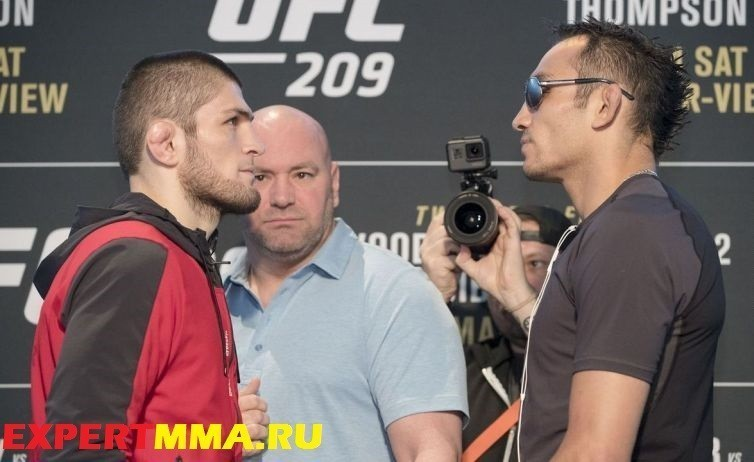 010_Khabib_Nurmagomedov_and_Tony_Ferguson.0