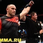 Алексей Олейник — Трэвис Браун на UFC 213