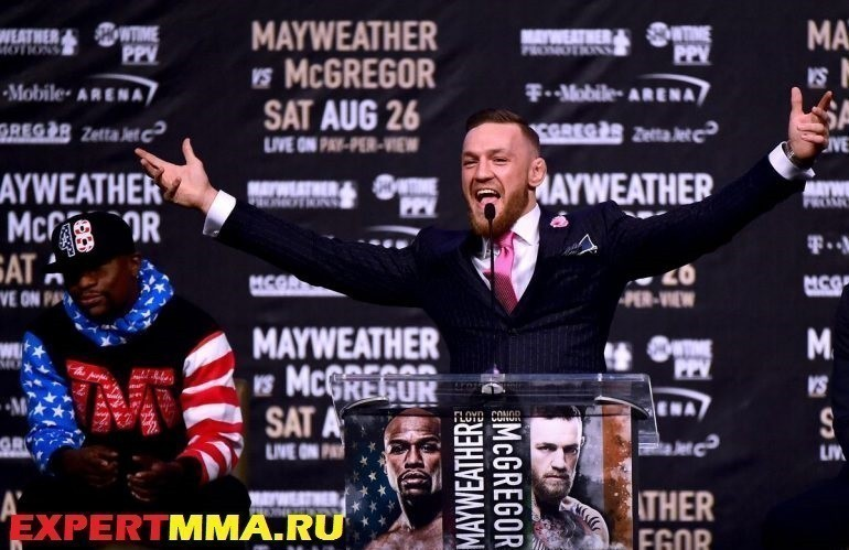 conor-mcgregor-floyd-press-770x513