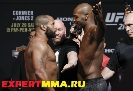 405_daniel_cormier_and_jon_jones.0