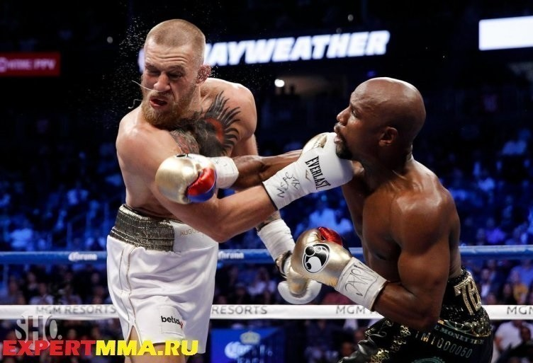 conor-mcgregor-floyd-mayweather-mmafighting-2