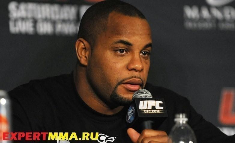 MMA: UFC 170 Press Conference