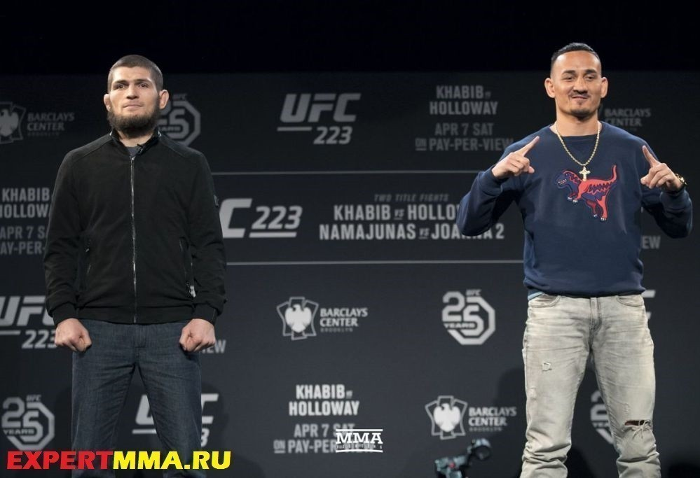 005_Khabib_Nurmagomedov_and_Max_Holloway.1522883839-1