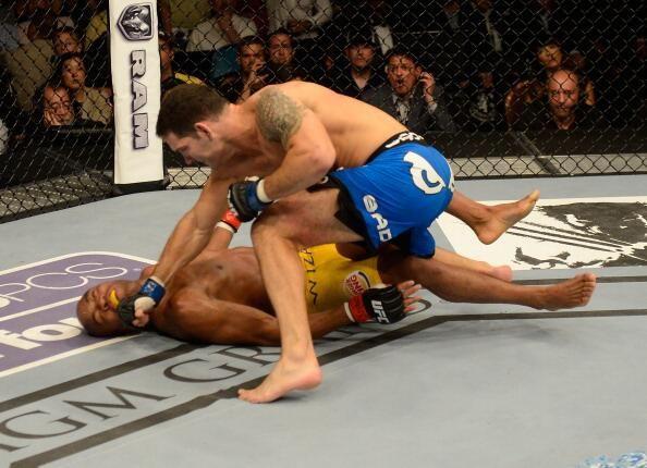 Anderson-Silva-Chris-Weidman-KO-2